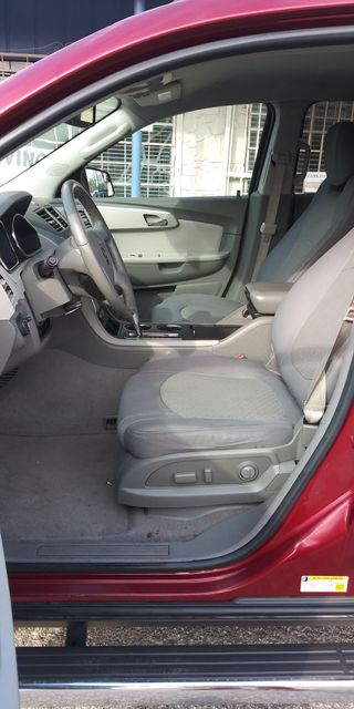 2011 Chevrolet Traverse LT w/2LT in San Antonio, TX 78237
