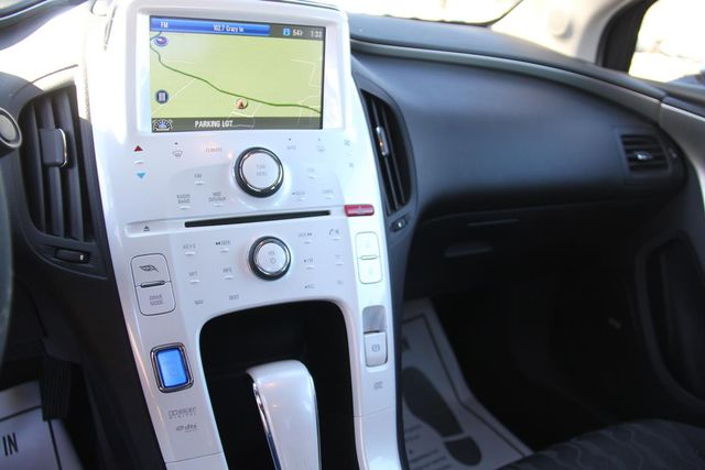 2011 Chevrolet Volt Santa Clarita, CA 17