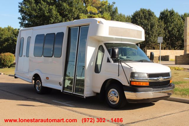 2011 Chevy Express G4500 Turtle Top 13 Passenger Shuttle Bus W/ Wheelchair Lift - Diesel Irving, Texas 6