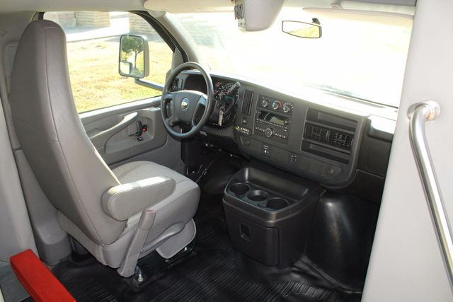2011 Chevy Express G4500 Turtle Top 13 Passenger Shuttle Bus W/ Wheelchair Lift - Diesel Irving, Texas 9