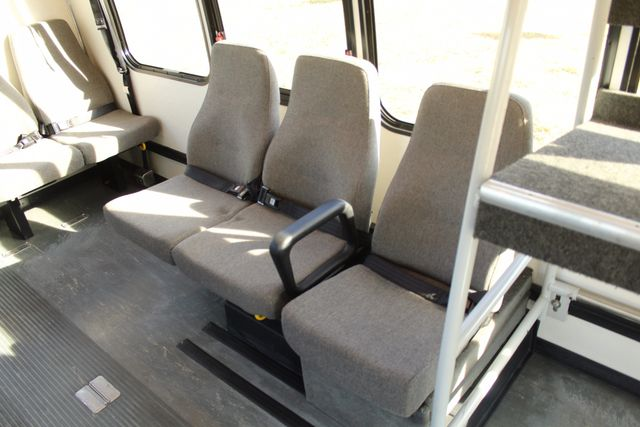 2011 Chevy Express G4500 Turtle Top 13 Passenger Shuttle Bus W/ Wheelchair Lift - Diesel Irving, Texas 14