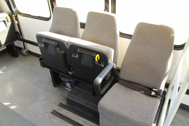 2011 Chevy Express G4500 Turtle Top 13 Passenger Shuttle Bus W/ Wheelchair Lift - Diesel Irving, Texas 15