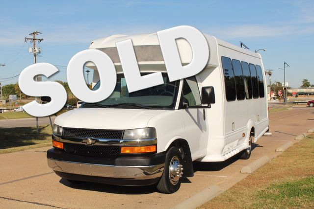 2011 Chevy Express G4500 Turtle Top 13 Passenger Shuttle Bus W/ Wheelchair Lift - Diesel Irving, Texas