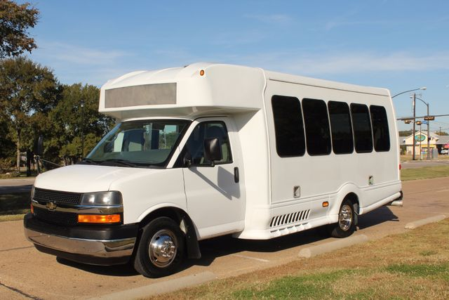 2011 Chevy Express G4500 Turtle Top 13 Passenger Shuttle Bus W/ Wheelchair Lift - Diesel Irving, Texas 1