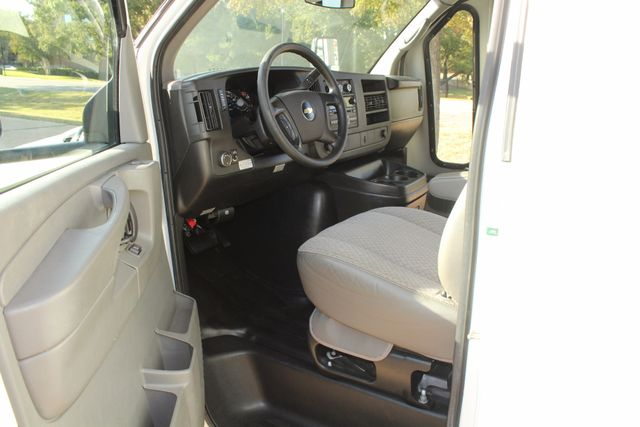2011 Chevy Express G4500 Turtle Top 13 Passenger Shuttle Bus W/ Wheelchair Lift - Diesel Irving, Texas 37