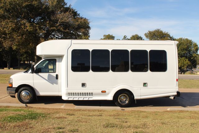 2011 Chevy Express G4500 Turtle Top 13 Passenger Shuttle Bus W/ Wheelchair Lift - Diesel Irving, Texas 2