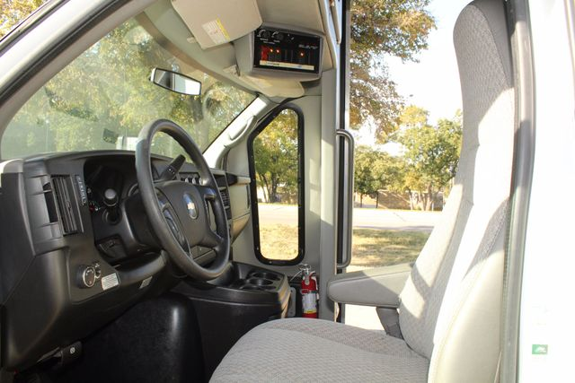 2011 Chevy Express G4500 Turtle Top 13 Passenger Shuttle Bus W/ Wheelchair Lift - Diesel Irving, Texas 40