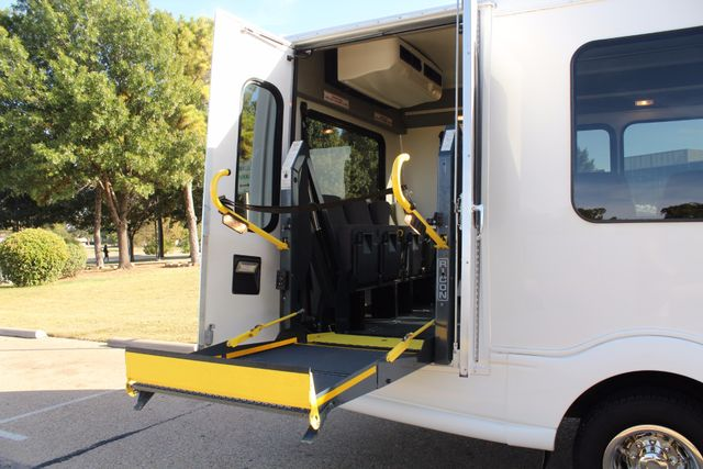2011 Chevy Express G4500 Turtle Top 13 Passenger Shuttle Bus W/ Wheelchair Lift - Diesel Irving, Texas 44