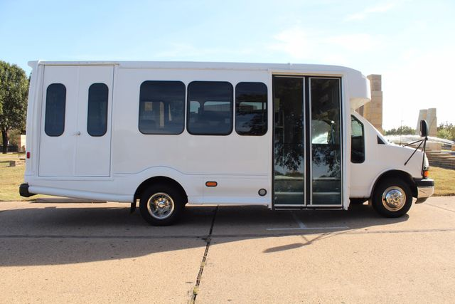 2011 Chevy Express G4500 Turtle Top 13 Passenger Shuttle Bus W/ Wheelchair Lift - Diesel Irving, Texas 5