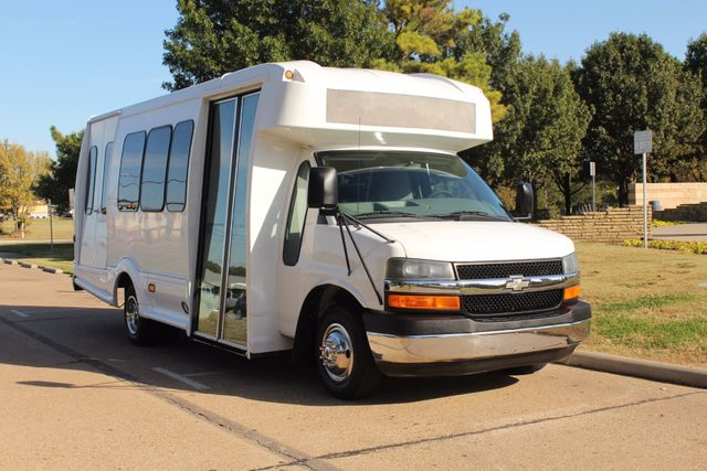 2011 Chevy Express G4500 Turtle Top 13 Passenger Shuttle Bus W/ Wheelchair Lift - Diesel Irving, Texas 64