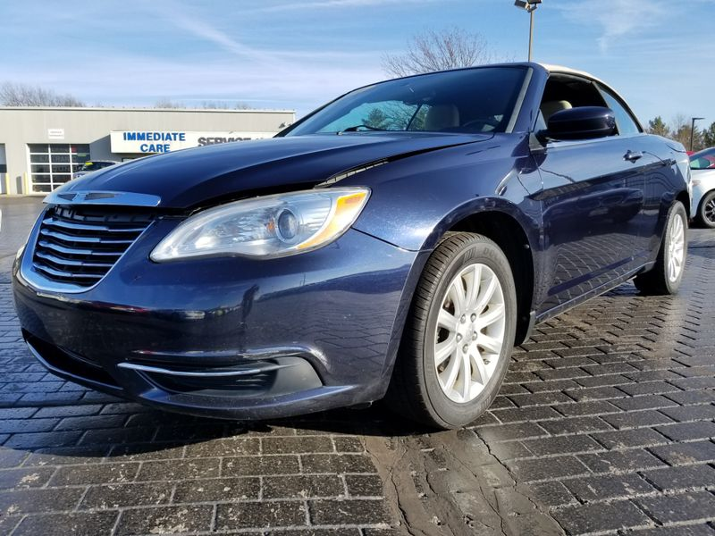 2011 Chrysler 200 Touring | Champaign, Illinois | The Auto Mall of Champaign in Champaign Illinois