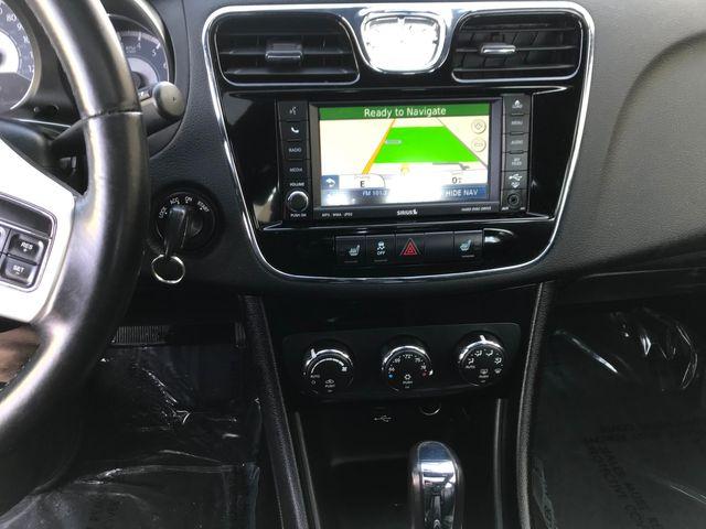 2011 Chrysler 200 Limited Farmington, MN 6