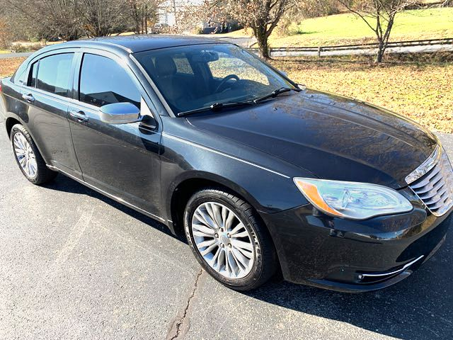 2011 Chrysler 200 Limited in Knoxville, Tennessee 37920
