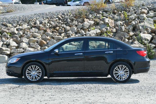 2011 Chrysler 200 Limited Naugatuck, Connecticut 1