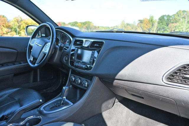 2011 Chrysler 200 Limited Naugatuck, Connecticut 8