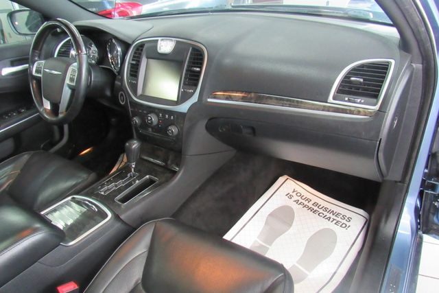 2011 Chrysler 300 300C W/ NAVIGATION SYSTEM/ BACK UP CAM Chicago, Illinois 13