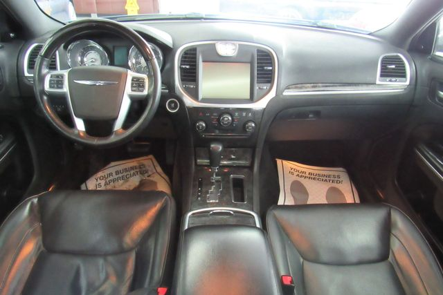 2011 Chrysler 300 300C W/ NAVIGATION SYSTEM/ BACK UP CAM Chicago, Illinois 16