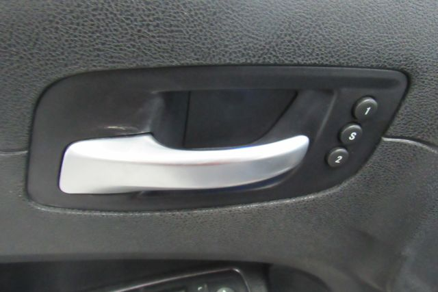 2011 Chrysler 300 300C W/ NAVIGATION SYSTEM/ BACK UP CAM Chicago, Illinois 24