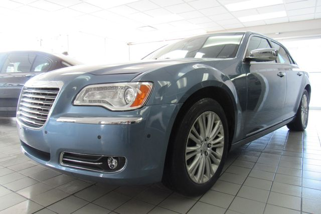 2011 Chrysler 300 300C W/ NAVIGATION SYSTEM/ BACK UP CAM Chicago, Illinois 2