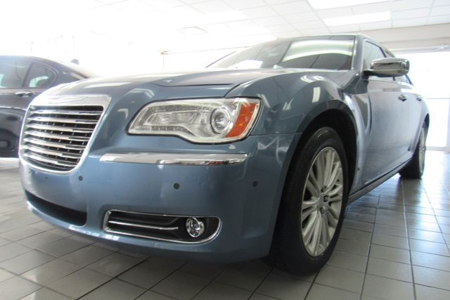 2011 Chrysler 300 300C W/ NAVIGATION SYSTEM/ BACK UP CAM Chicago, Illinois 3