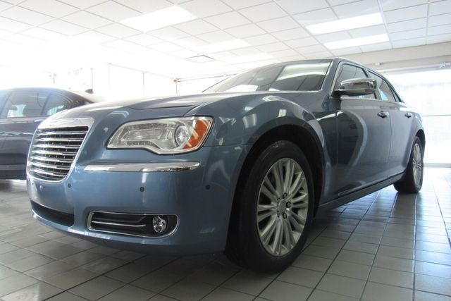 2011 Chrysler 300 300C W/ NAVIGATION SYSTEM/ BACK UP CAM Chicago, Illinois 4