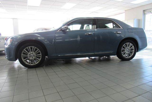 2011 Chrysler 300 300C W/ NAVIGATION SYSTEM/ BACK UP CAM Chicago, Illinois 5