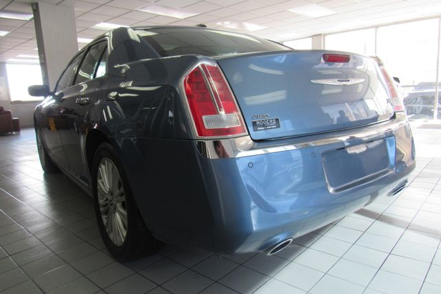 2011 Chrysler 300 300C W/ NAVIGATION SYSTEM/ BACK UP CAM Chicago, Illinois 6