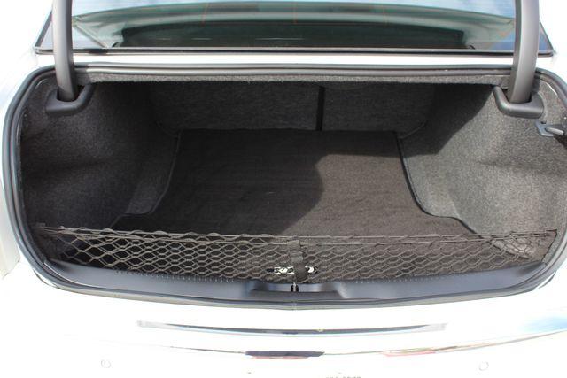 2011 Chrysler 300 300C CONROE, TX 18