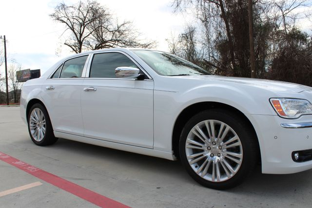 2011 Chrysler 300 300C CONROE, TX 2