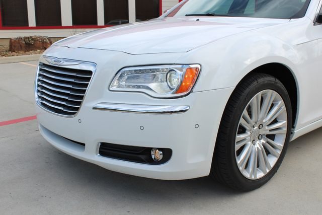 2011 Chrysler 300 300C CONROE, TX 8