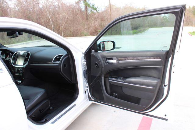 2011 Chrysler 300 300C CONROE, TX 24