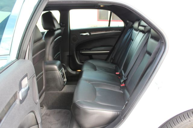 2011 Chrysler 300 300C CONROE, TX 33