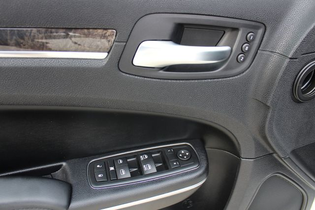2011 Chrysler 300 300C CONROE, TX 38