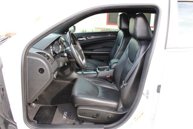 2011 Chrysler 300 300C CONROE, TX 41