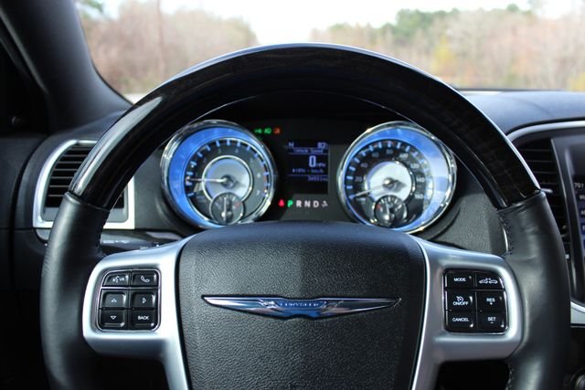 2011 Chrysler 300 300C CONROE, TX 45