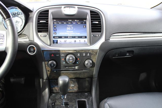 2011 Chrysler 300 300C CONROE, TX 48