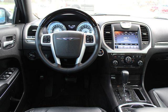 2011 Chrysler 300 300C CONROE, TX 44