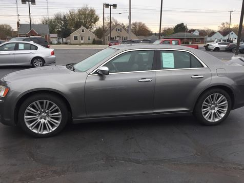 2011 Chrysler 300 300C | Dayton, OH | Harrigans Auto Sales in Dayton, OH