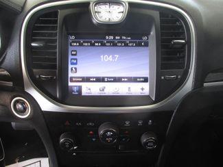 2011 Chrysler 300 Gardena, California 6