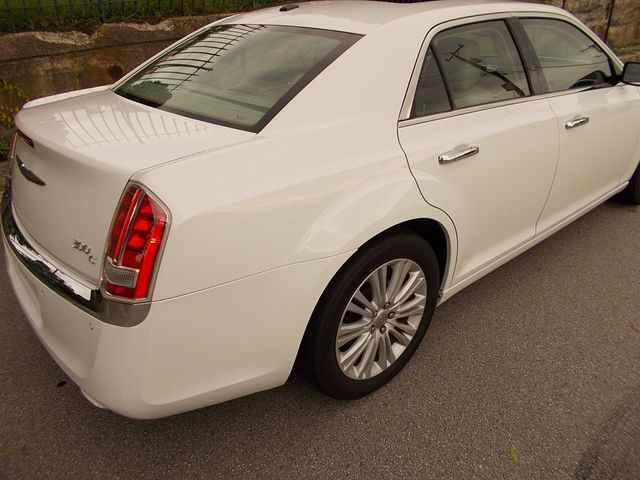 2011 Chrysler 300 300C Manchester, NH 4