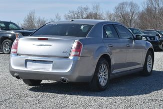2011 Chrysler 300 Naugatuck, Connecticut 4