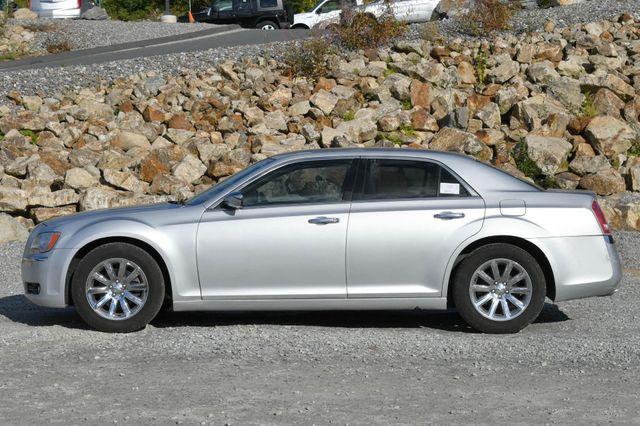 2011 Chrysler 300 Limited Naugatuck, Connecticut 1