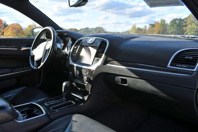 2011 Chrysler 300 Limited Naugatuck, Connecticut 8