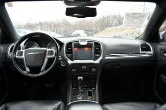 2011 Chrysler 300 Limited Naugatuck, Connecticut 11