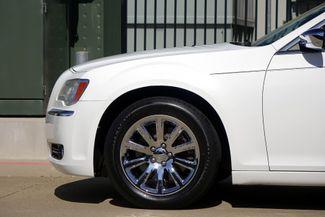 2011 Chrysler 300 300C * HEMI * Pano Roof * NAVI * Chromes * LOADED! Plano, Texas 30
