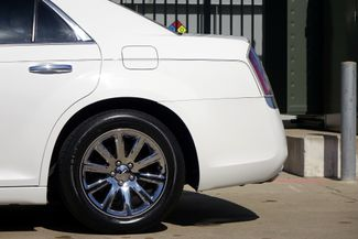 2011 Chrysler 300 300C * HEMI * Pano Roof * NAVI * Chromes * LOADED! Plano, Texas 31