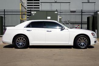 2011 Chrysler 300 300C * HEMI * Pano Roof * NAVI * Chromes * LOADED! Plano, Texas 2