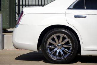 2011 Chrysler 300 300C * HEMI * Pano Roof * NAVI * Chromes * LOADED! Plano, Texas 28