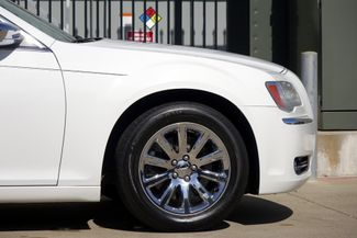 2011 Chrysler 300 300C * HEMI * Pano Roof * NAVI * Chromes * LOADED! Plano, Texas 29
