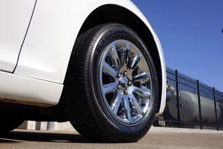 2011 Chrysler 300 300C * HEMI * Pano Roof * NAVI * Chromes * LOADED! Plano, Texas 35